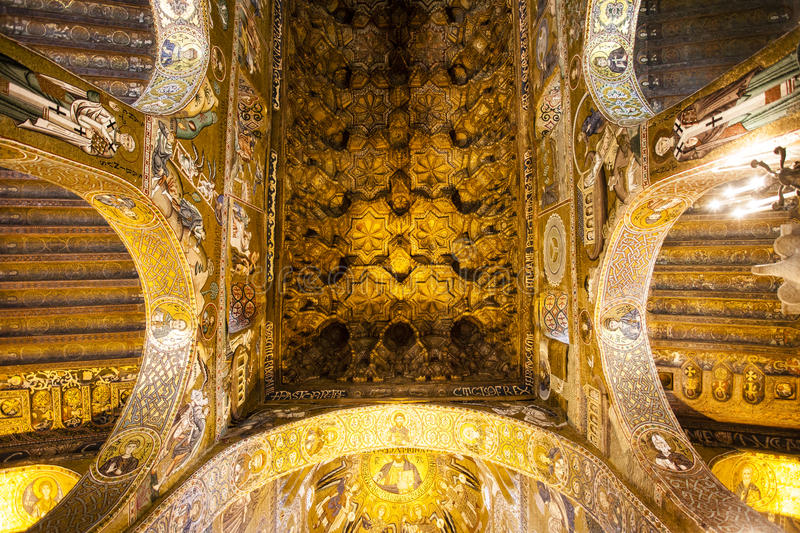 Ceiling of the Capella Palatina Chapel inside the Palazzo dei Normanni in Palermo, Sicily, Italy stock photography
