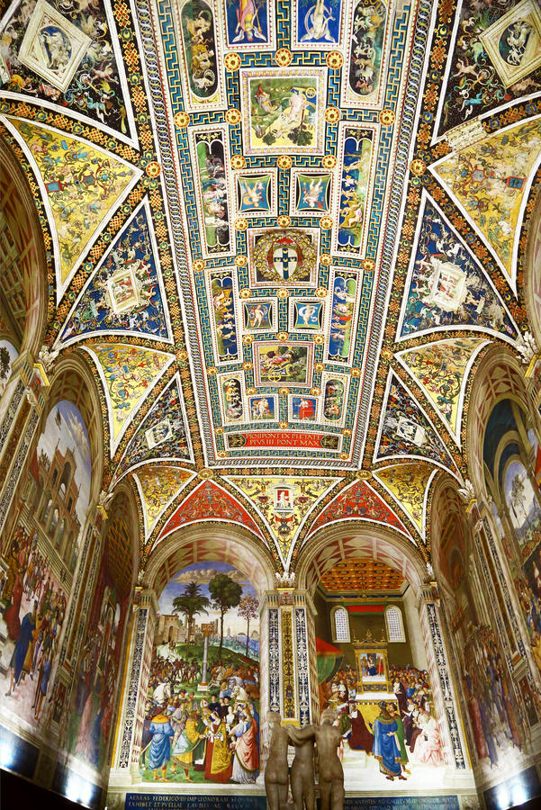 Ceiling of Piccolomini Library in Duomo di Siena, Italy stock image