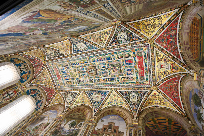 Ceiling of the Piccolomini Library in Siena Cathedral stock photography