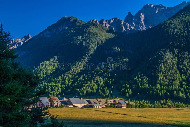 Ceillac-queyras in Hautes-Albes in Frankreich lizenzfreies stockfoto