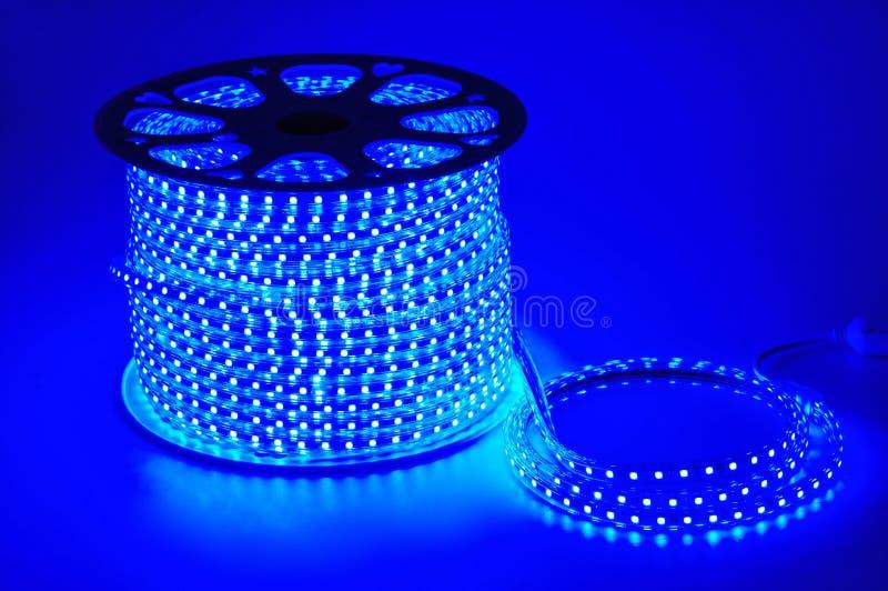 Ceinture menée légère bleue, bande menée, bandes imperméables de lumière du bleu LED photographie stock libre de droits