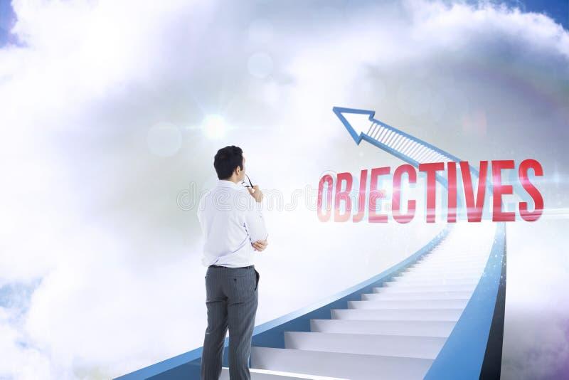 Cele przeciw czerwonej schody strzała wskazuje up przeciw niebu obraz stock