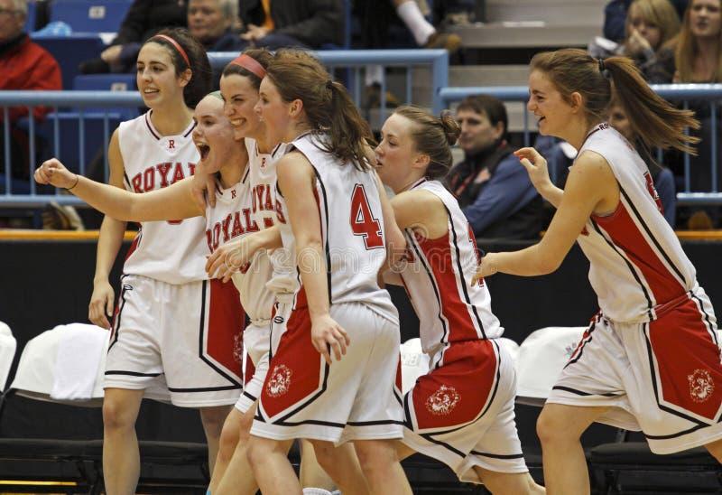 Celebração das meninas do basquetebol foto de stock