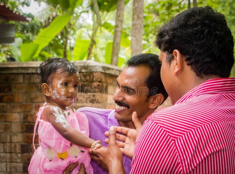 Celebração do aniversário da menina indiana da criança fotos de stock