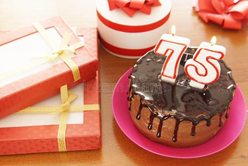 Celebração do aniversário em setenta cinco anos imagens de stock royalty free