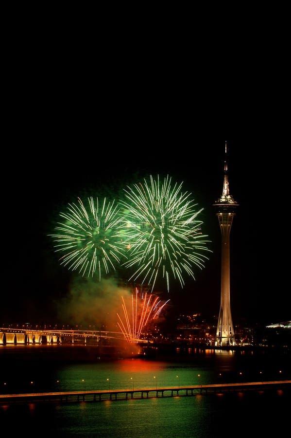 Celebração do ano novo com fogos-de-artifício fotos de stock royalty free