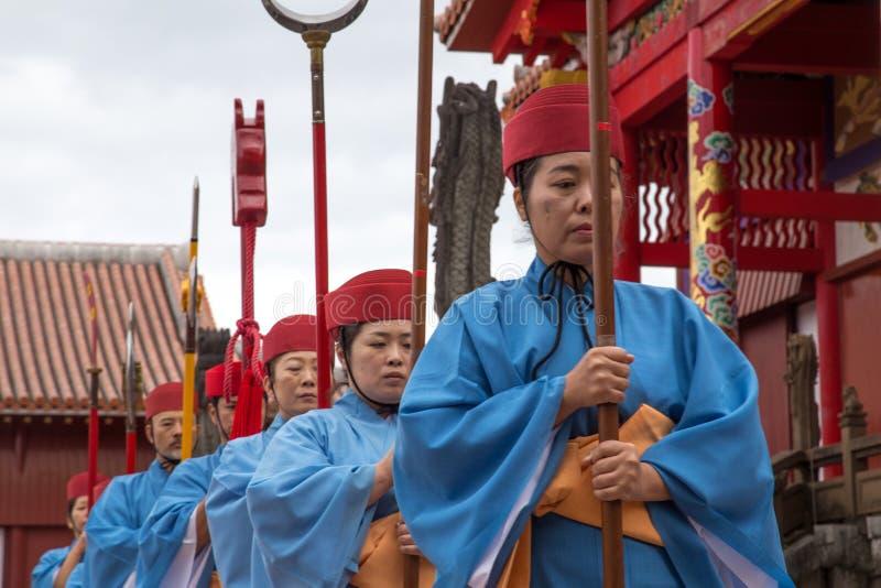 Celebração do ano novo no castelo de Shuri em Okinawa, Japão fotografia de stock royalty free
