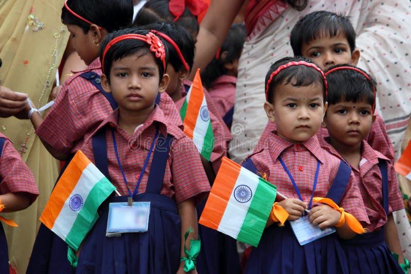 Celebração do Dia da Independência da escola por crianças foto de stock royalty free