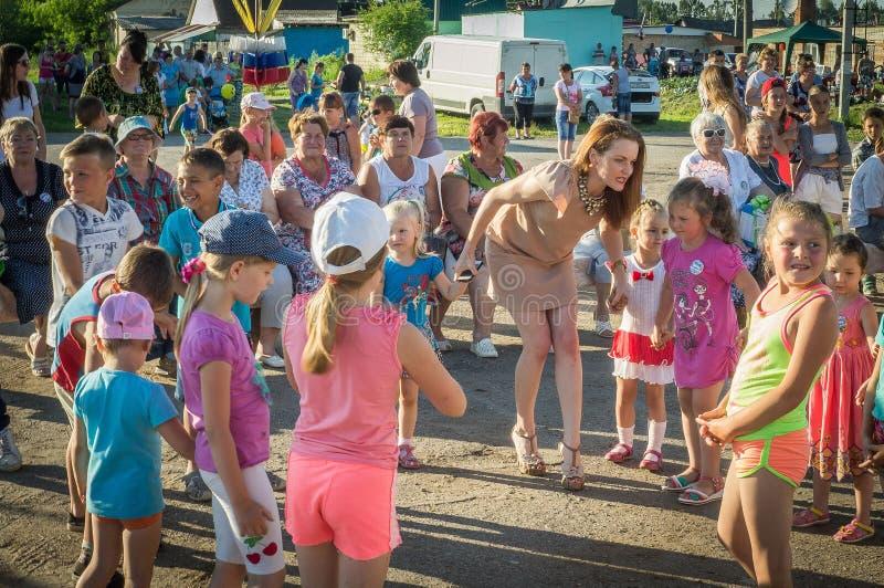 A celebração do dia da juventude na região de Kaluga em Rússia o 27 de junho de 2016 fotografia de stock