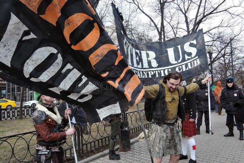 Celebração do dia do ` s de St Patrick em Moscou Participantes da parada fotografia de stock royalty free