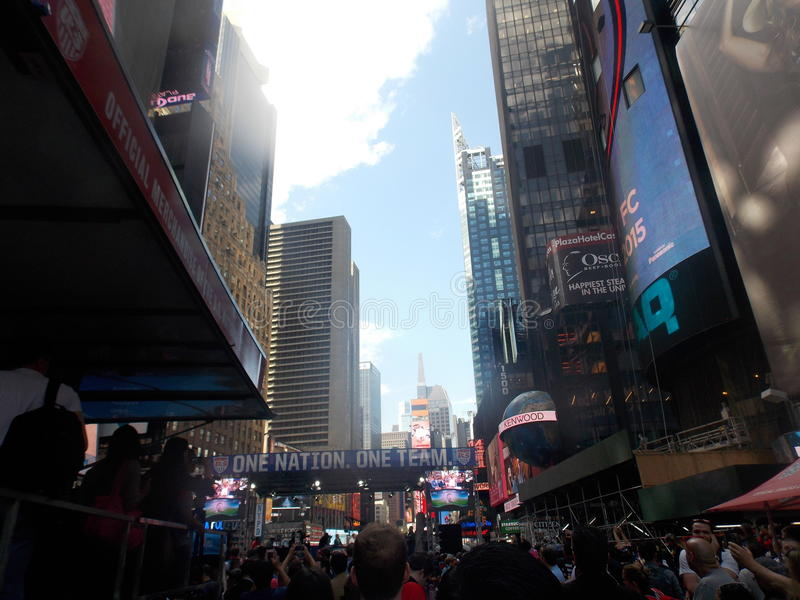 Celebração do futebol dos E.U. no Times Square fotos de stock
