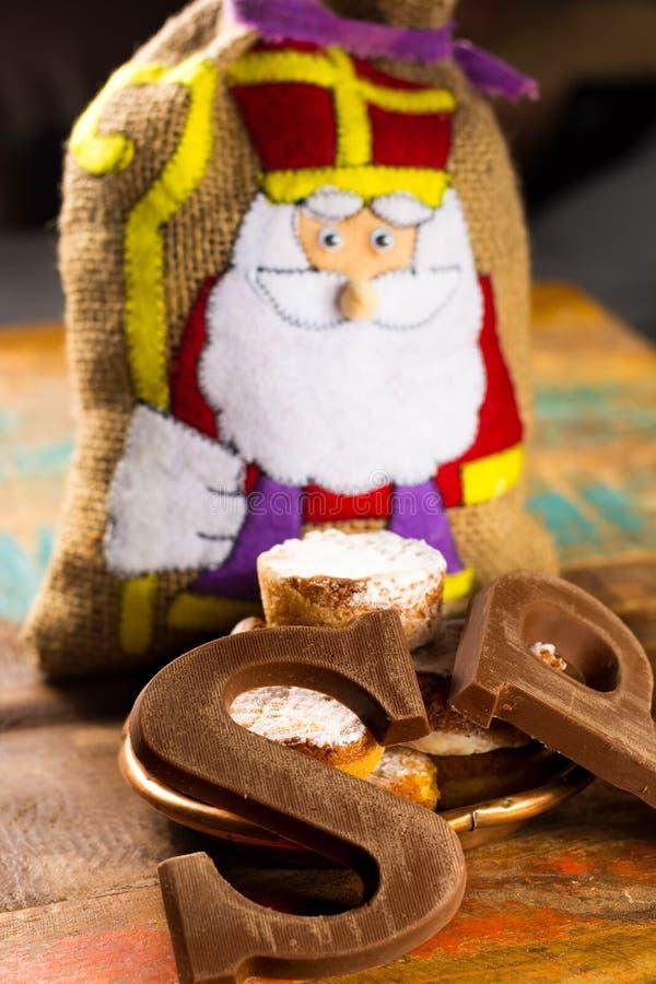 Celebração holandesa tradicional do Saint Nicolas com presentes para o ch fotografia de stock