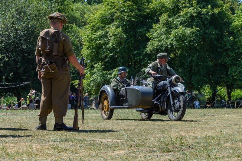 Celebrações BRITÂNICAS do fim de semana das forças armadas Trowbridge 2018 Wiltshire foto de stock