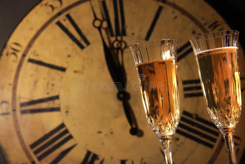 Celebración De Años Nuevos Con Champán Foto de archivo