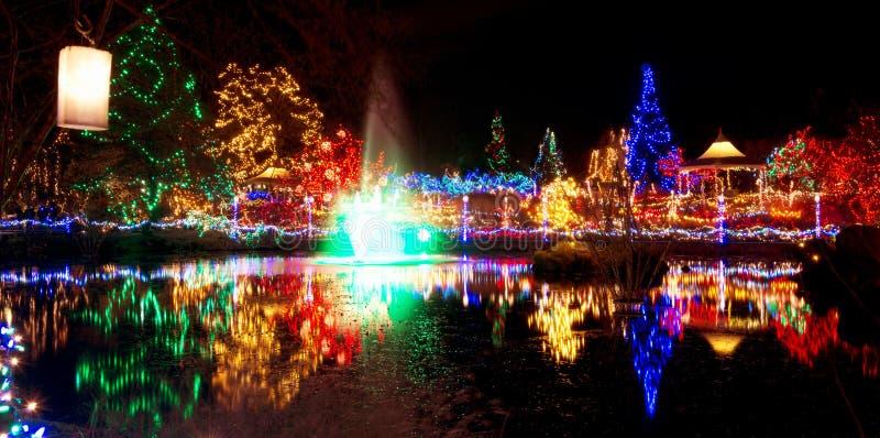 Celebración de las luces de la Navidad fotos de archivo
