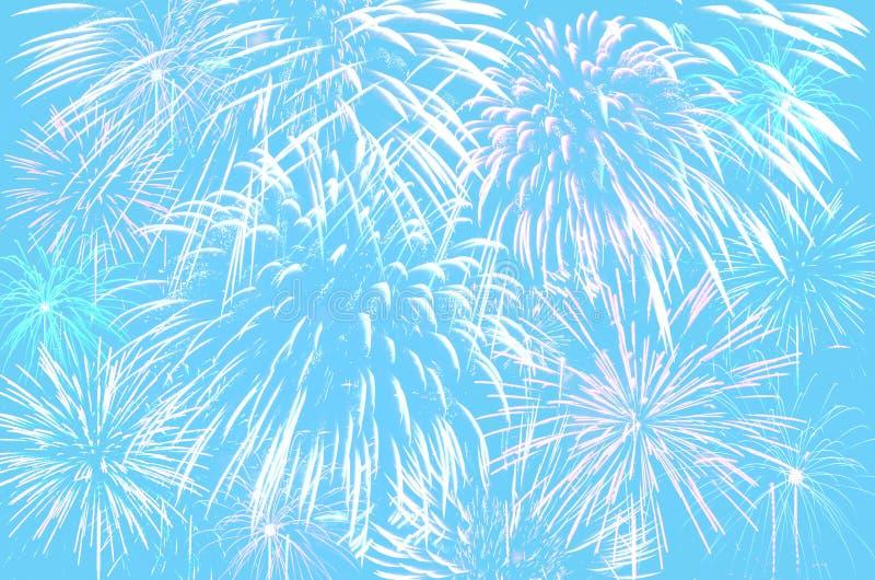 Celebración de los fuegos artificiales en fondo ciánico en colores pastel del color fotografía de archivo libre de regalías
