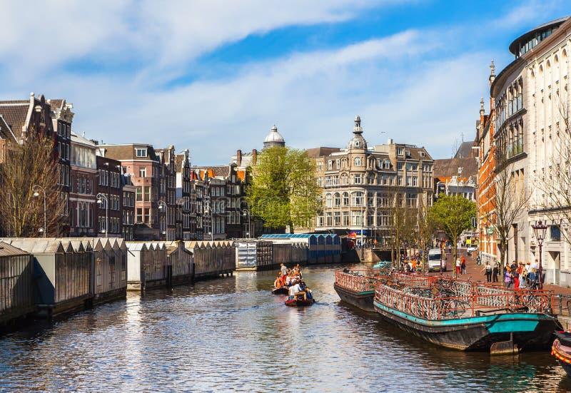 Celebración de queensday el 30 de abril de 2012 en Amsterdam imagen de archivo