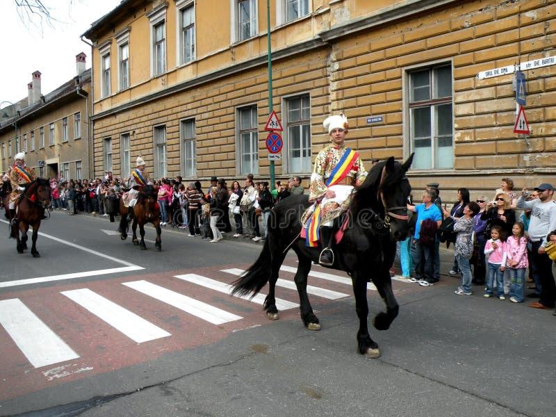 Celebración en la ciudad de Brasov en el tiempo 3 de pascua fotografía de archivo