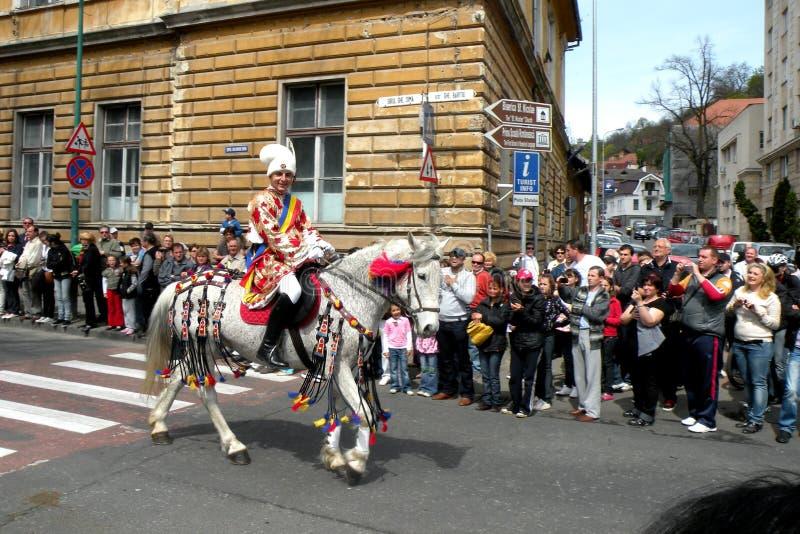 Celebración en la ciudad de Brasov en el tiempo 10 de pascua fotos de archivo libres de regalías