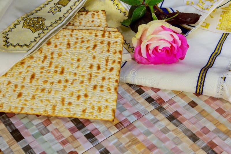 celebración judía del matzoth del día de fiesta del pan del matzoh del passover imagen de archivo