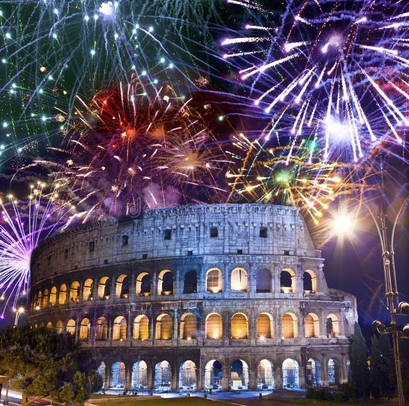 celebratory collosseofyrverkerier italy över rome italy rome royaltyfri fotografi