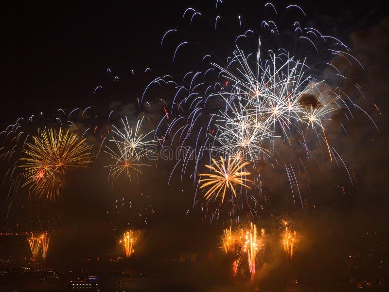 Celebrazione dei fuochi d'artificio turchi di giorno della Repubblica immagine stock libera da diritti