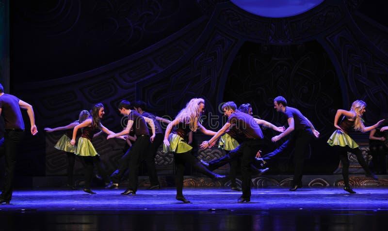 Celebrazione di Emerald Island---Il tip-tap nazionale irlandese di ballo immagine stock