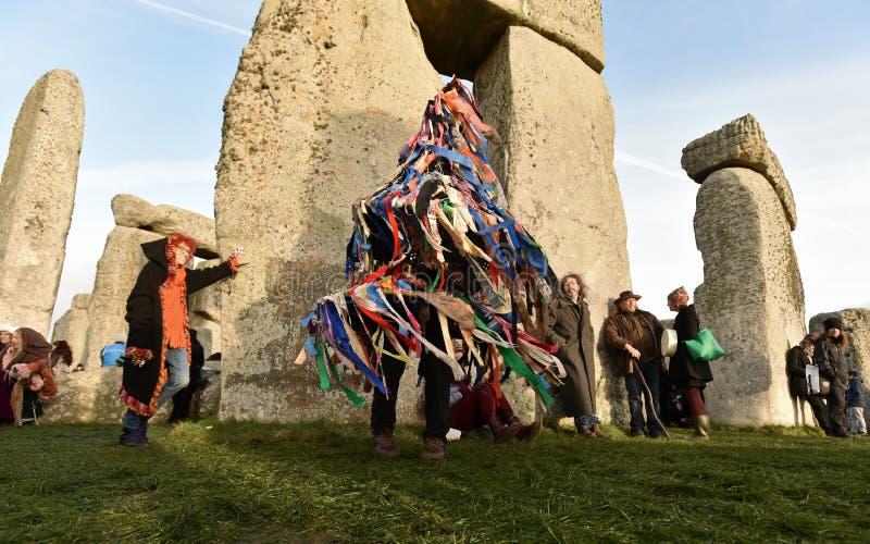 Celebrazioni di solstizio di inverno a Stonehenge fotografie stock