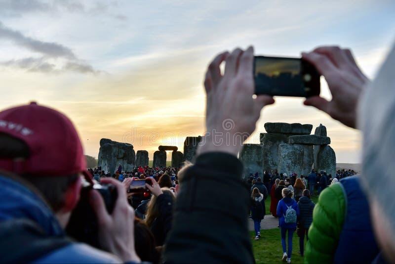 Celebrazioni di solstizio di inverno a Stonehenge fotografie stock libere da diritti