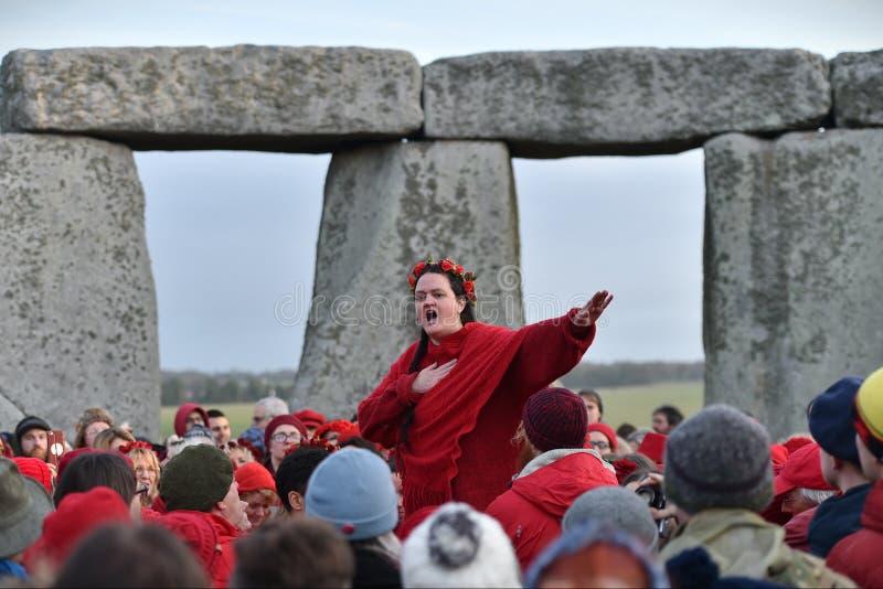 Celebrazioni di solstizio di inverno a Stonehenge immagine stock