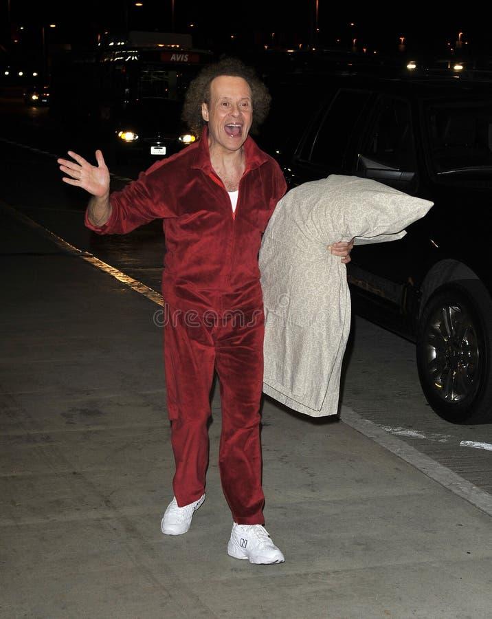 Celebridad Richard Simmons en el aeropuerto de LAX imagen de archivo libre de regalías