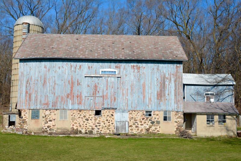 Celeiro azul em Wisconsin fotos de stock royalty free