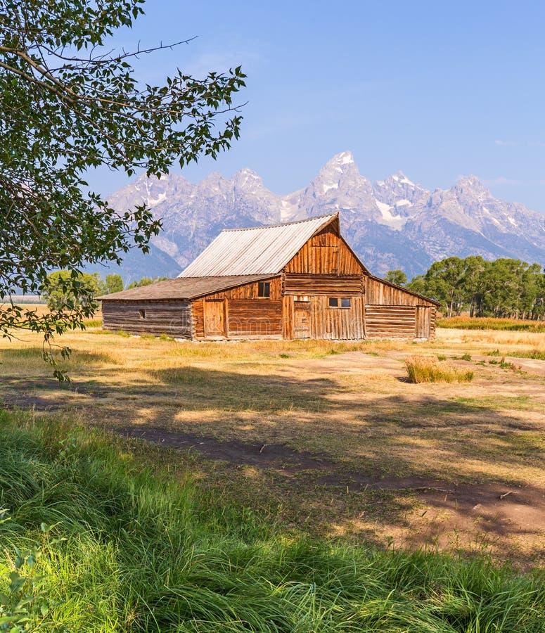 Celeiro da fileira do mórmon no parque nacional grande de Teton imagens de stock