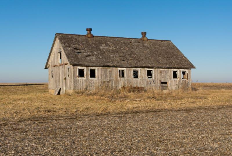 Celeiro de madeira isolado no nanowatt rural Illinois, EUA fotografia de stock royalty free