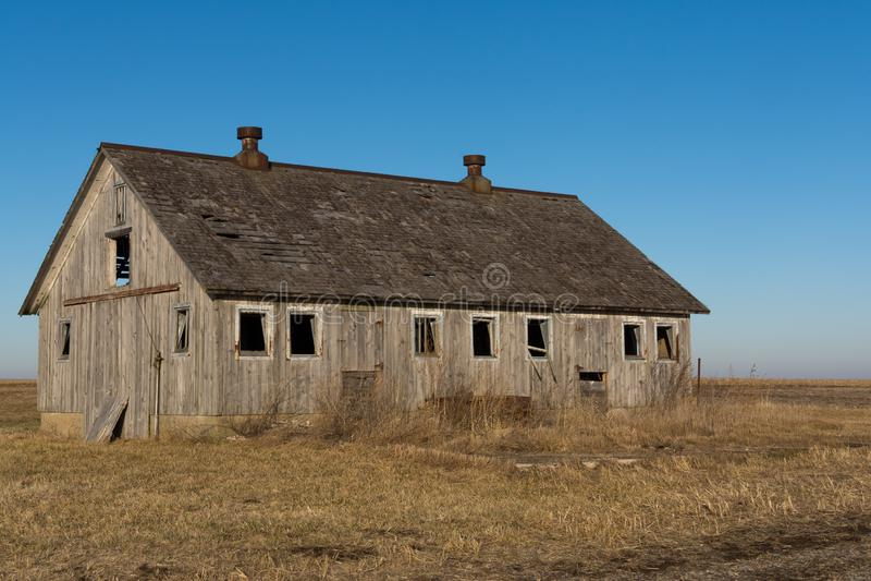 Celeiro de madeira isolado no nanowatt rural Illinois, EUA imagens de stock royalty free