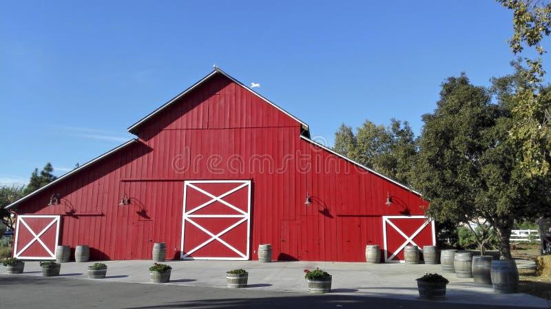 Celeiro de madeira vermelho, imagem de stock royalty free