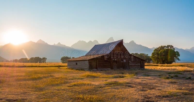 Celeiro no parque nacional grande de Teton, WY, EUA foto de stock