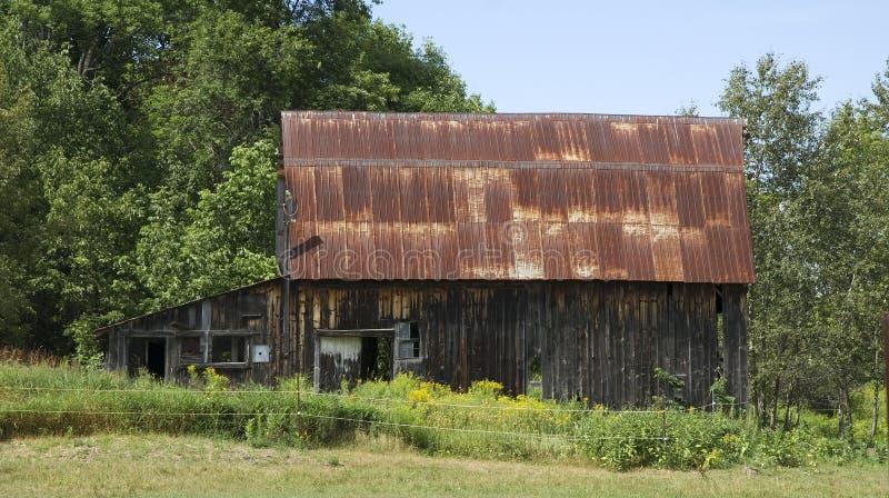 Celeiro velho em Ontário rural fotografia de stock