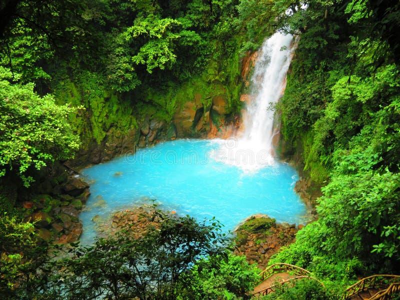 Celeste River på den Tenorio nationalparken arkivfoton