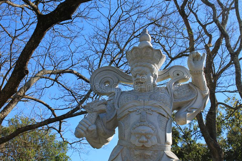 Celestial King Virapaksha Statue, Chen Tien Temple - Foz doet Iguaçu royalty-vrije stock afbeeldingen