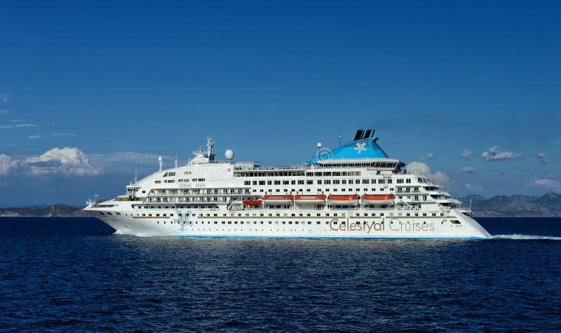 Celestyal-Kreuzfahrtschiff im Ägäischen Meer lizenzfreies stockfoto