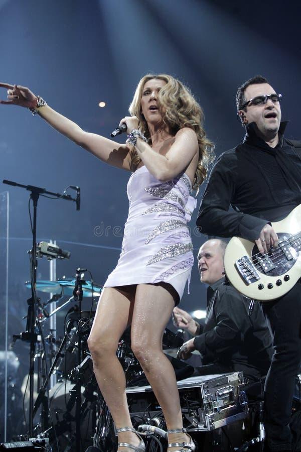 Celine Dion se realiza en concierto fotografía de archivo