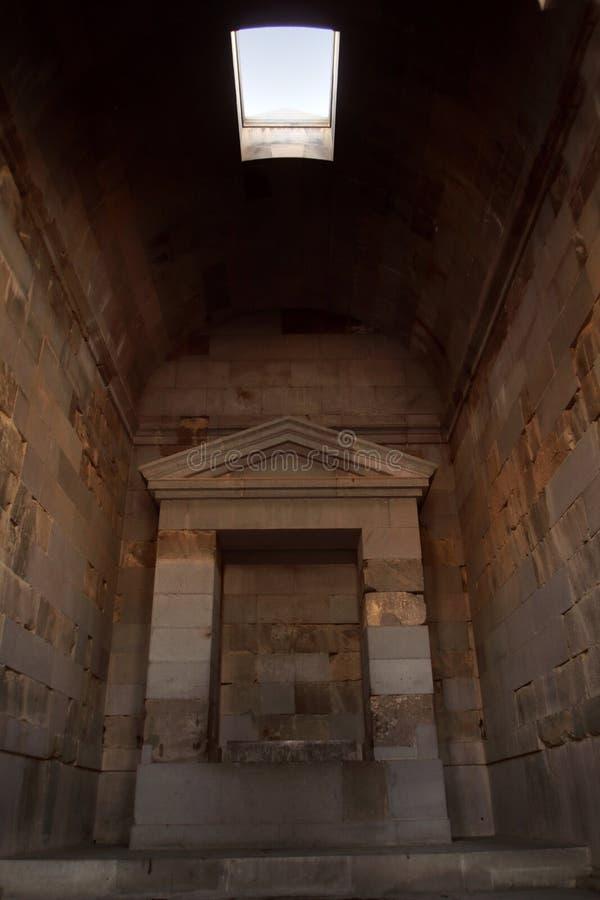 Cellaen av den Garni templet, Armenien royaltyfria bilder