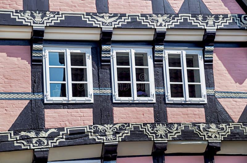 Celle, Duitsland - Mei 1, 2017: Voorgevel van het gebouw in Celle Oude stad in Nedersaksen, Duitsland stock afbeeldingen