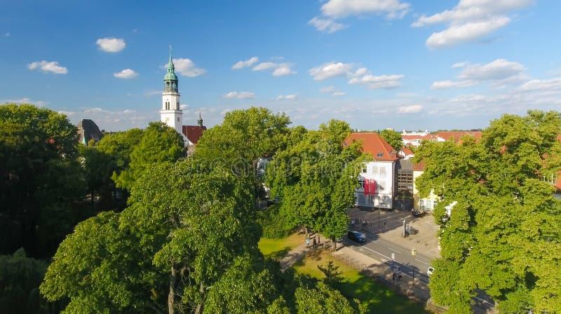 Celle Tyskland Den flyg- sikten av staden och parkerar royaltyfri fotografi