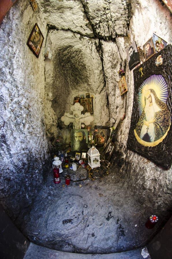 Cellule de Praing d'un saint en détail photographie stock libre de droits