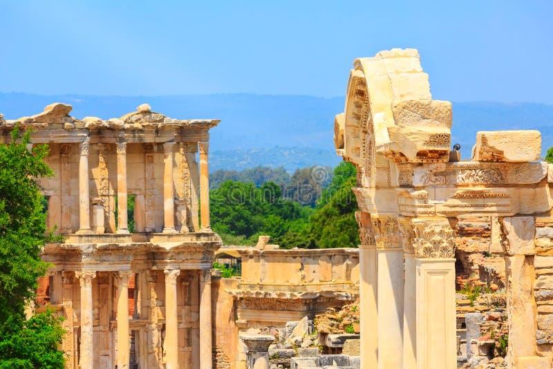 Celsus图书馆和废墟在以弗所,土耳其 免版税图库摄影