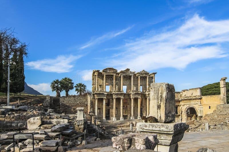 Celsus图书馆的门面,重建从原始的片断 图库摄影