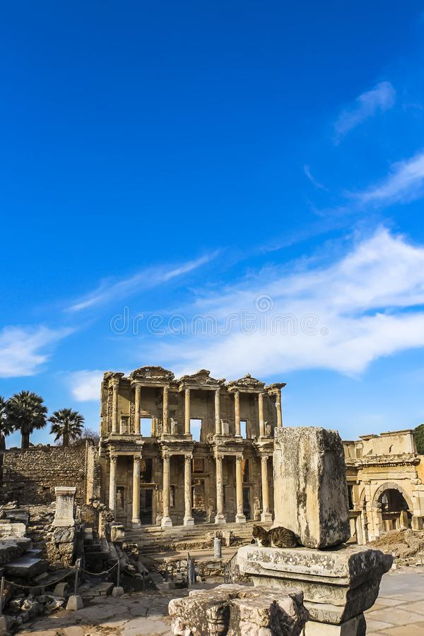 Celsus图书馆的门面,重建从原始的片断 库存图片