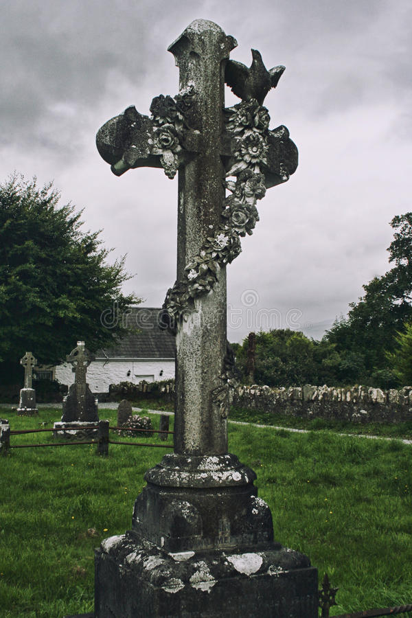 Celtic Cross on a cemetary on the Dingle Peninsula, Ireland stock images